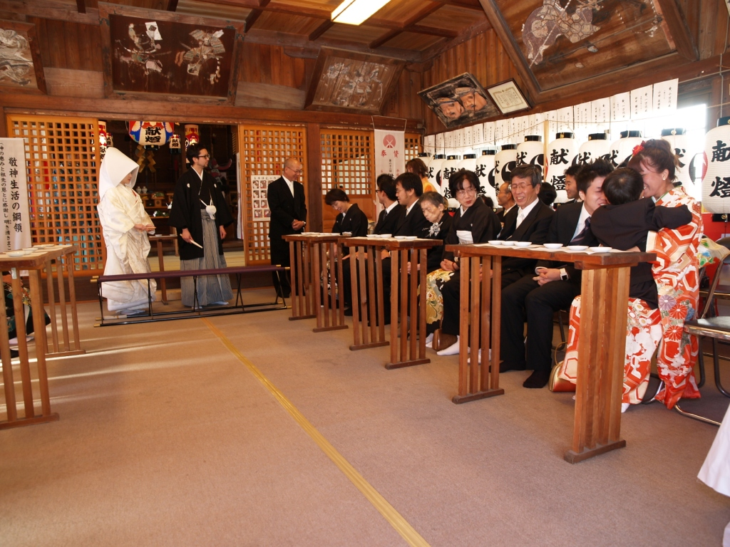 広島のブライダル、プロデュース、レンタル衣装、出張着付け は三栗矢へ