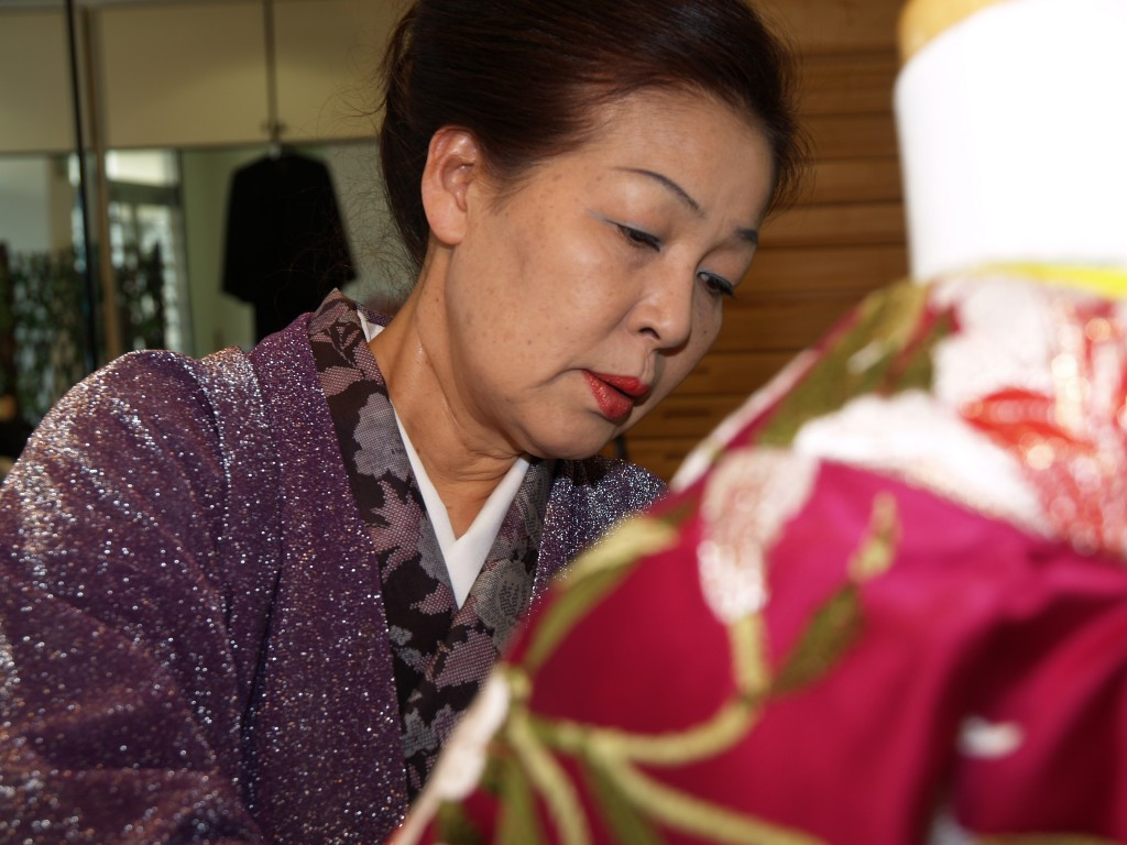 広島のブライダル、プロデュース、レンタル衣装、出張着付け 三栗矢へ